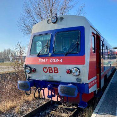 5047 vor Abfahrt in Obersdorf 375x375 - Endstation Abstellgleis
