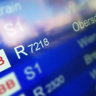 Anzeige Abfahrten 375x375 - Endstation Abstellgleis