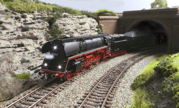 Modellbahn Tunnelstelle - Foto: Prof Fritz