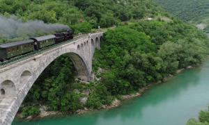 Eisenbahnbrücke in Slowenien